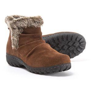 NWOB Khombu Lisa Suede Winter Snow Boots Bootie